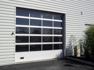 Portes de garage sg diffusion for Porte de garage sectionnelle 300 x 215